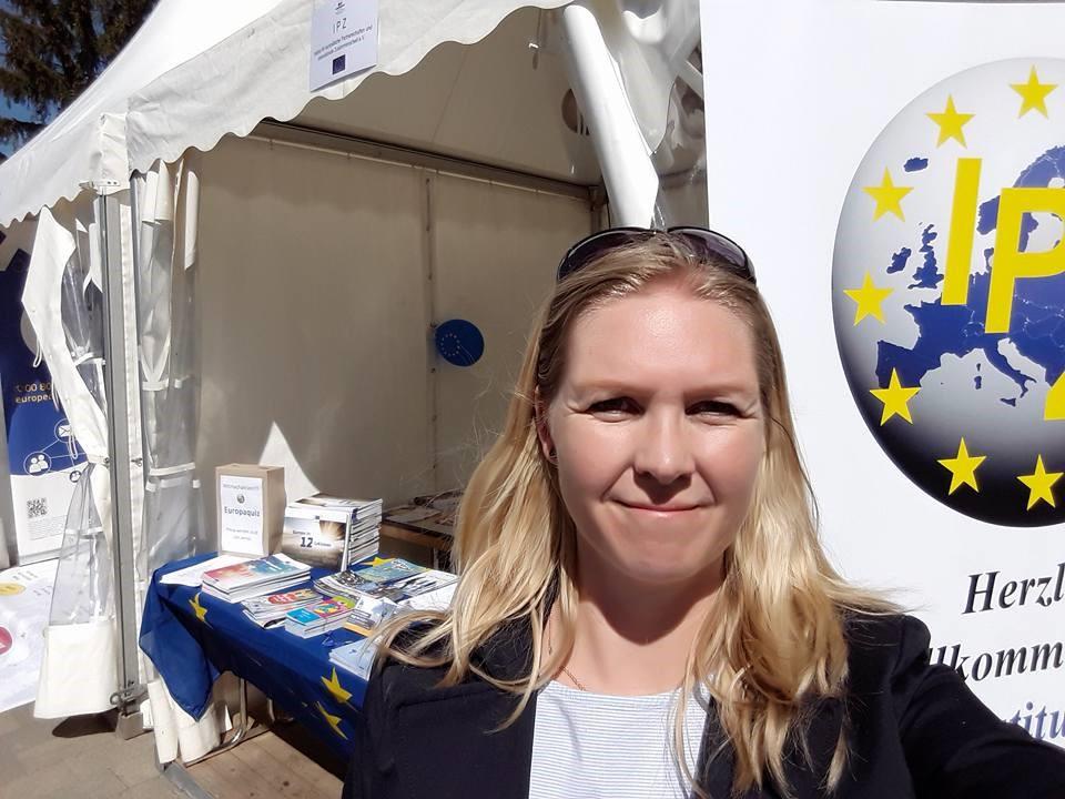 IPZ-Stand mit Infos über Partnerschaften und der EU am Tag der Kulturen, Bergkamen 2018